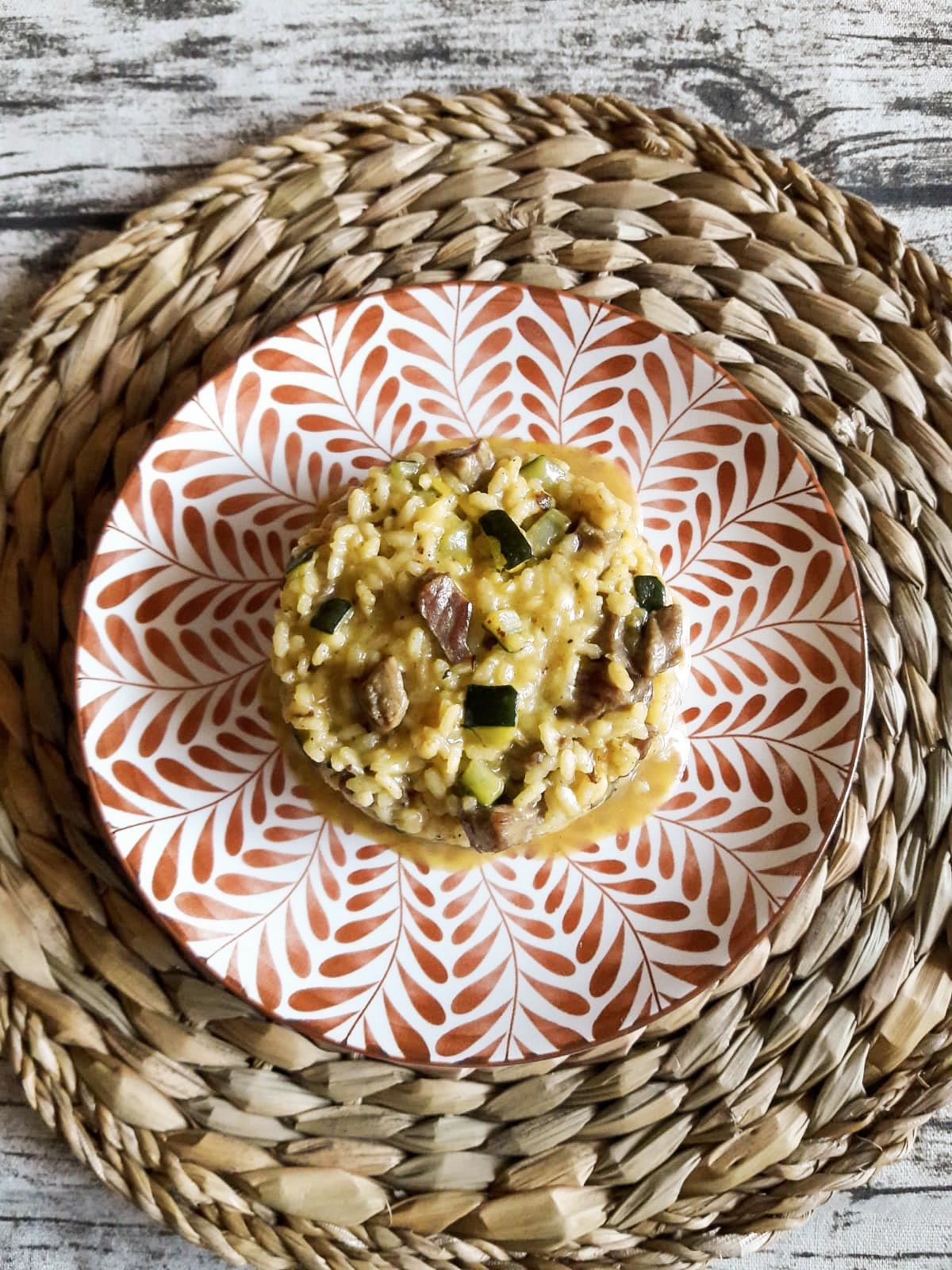 cremoso-de-arroz-con-secreto-y-calabacin